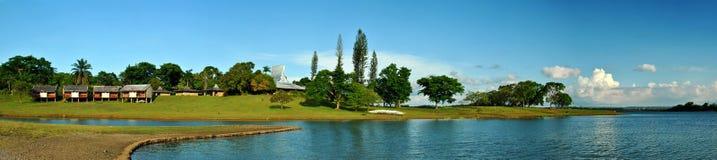 Het Panorama van het Landschap van Caliraya van het meer stock foto's