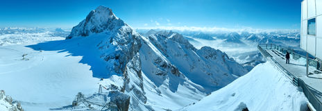 Het panorama van het massief van de winterdachstein. Stock Afbeelding
