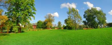 Het panorama van het park Stock Afbeeldingen