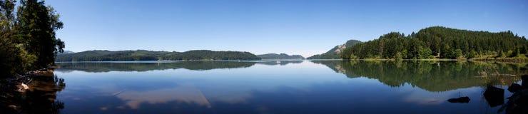 Het panorama van het Reservoir van Dorena Stock Foto's