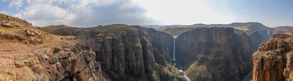 Het panorama van Maletsunyane valt en grote canion in de bergachtige hooglanden dichtbij Semonkong, Lesotho, Afrika stock foto