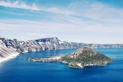 Het Panorama van het Meer van de krater stock foto's