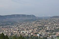 Het Panorama van Millau stock afbeelding