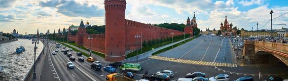 Het Panorama van Moskou het Kremlin De zomer van Rusland Stock Afbeeldingen