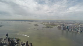 Het panorama van New York van Één World Trade Centerwaarnemingscentrum stock video