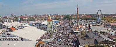 Het panorama van Oktoberfest Stock Afbeelding
