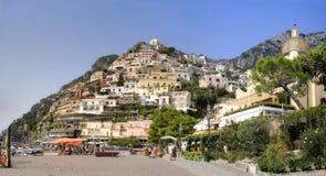 Het panorama van Positano Stock Afbeeldingen