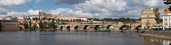 Het panorama van Praag Stock Foto's