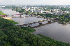 Het panorama van Warshau, Wis?a-rivier, bruggen royalty-vrije stock foto's