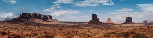 Het Panoramahorizon van de monumentenvallei Stock Foto