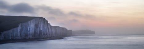 Het panoramalandschap bij zonsopgang meer dan Zeven Zusters in Zuiden verslaat Royalty-vrije Stock Afbeelding