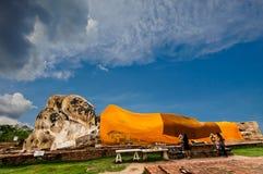 Het panoramastandbeeld van Boedha het liggen ayuttaya Stock Afbeeldingen