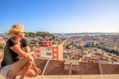 Het panoramavrouw van Lissabon stock afbeelding