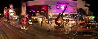(Het panoramische) Nachtleven van Cancun Stock Foto's