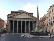 Het Pantheon is een vroegere Roman tempel, nu een kerk, in Rome, Italië, royalty-vrije stock foto