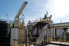 Het papier en de pulp malen - de elektrische centrales van de Cogeneratie Stock Foto