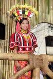 Het paraderende stammenmeisje van de schoonheidswedstrijd Royalty-vrije Stock Foto