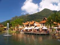 Het paradijs van de luxe door het meer Stock Foto's