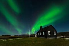 Het paradijs van IJsland, Aurora Borealis in het verbazen nightscap royalty-vrije stock fotografie