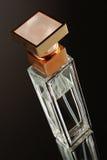 Het parfum van de fles stock afbeelding