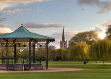 Het park en de muziektent in Stratford op Avon Stock Foto's