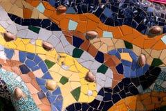 Het Park Guell van Gaudi in Barcelona - mozaïek Stock Afbeeldingen