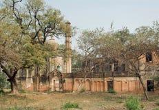 Het park met structuren van Lucknow Residentie bouwde mughal stijl in India in De residentie vond tussen 1780 plaats tot 1800 Stock Afbeelding