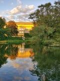Het park van Aarhus - gouden avond Stock Afbeelding