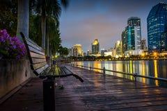 het Park van Bangkok van de stadsnacht in de Stad bij schemer (Thailand) Nacht CIT Royalty-vrije Stock Afbeelding