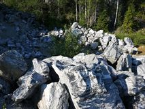 Het Park van de Ruskealaberg, Karelië Rusland stock foto
