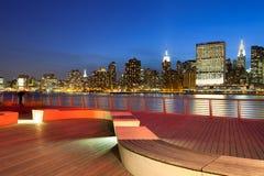 Het Park van de Staat van het brugplein en de horizon van Manhattan Royalty-vrije Stock Afbeelding