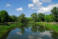 Het park van de stad in Warshau. Zomer. Royalty-vrije Stock Foto's