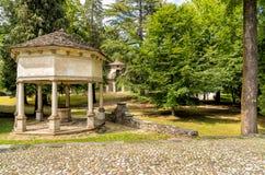 Het Park van Heilig Onderstel van Orta met Kapels, Orta San Giulio, Piemonte, Italië Royalty-vrije Stock Afbeeldingen