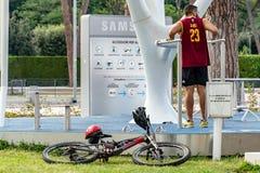 Het Park van MyEquilibriawellness door Samsung stock afbeeldingen