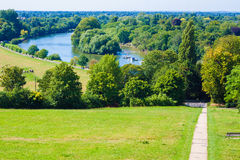 Het park van Richmond en de rivier van Theems Stock Fotografie