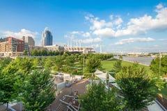Het Park van Smaleriverfront in Cincinnati, Ohio naast John een Kuit stock afbeelding
