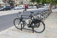 Het parkeren van de fiets royalty-vrije stock afbeelding