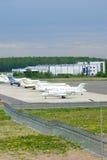 Het parkeren van zaken spuit in de Internationale luchthaven van Pulkovo in heilige-Petersburg, Rusland Royalty-vrije Stock Foto's
