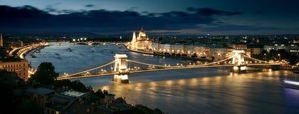 Het Parlement, Boedapest bij zonsondergang Royalty-vrije Stock Fotografie