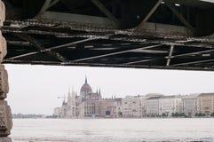 Het Parlement boven de Vloed, Boedapest Stock Afbeelding