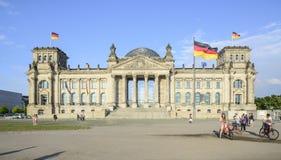 Het parlement die Berlijn Duitsland Europa bouwen Stock Fotografie