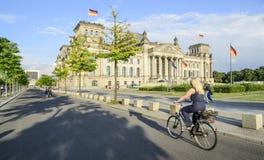 Het parlement die Berlijn Duitsland Europa bouwen Stock Afbeeldingen