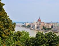 Het Parlement die op de bank van de Donau - Boedapest voortbouwen Royalty-vrije Stock Fotografie