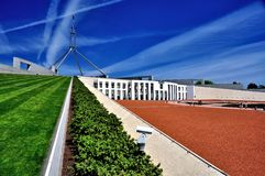 Het Parlement het zijaanzicht van Huiscanberra Australië royalty-vrije stock afbeelding