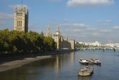 Het Parlement op de Theems Royalty-vrije Stock Afbeelding