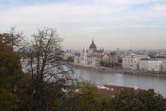 Het Parlement Panorama in Boedapest van Buda Hill Royalty-vrije Stock Afbeeldingen