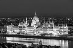 Het parlement van Boedapest bij nacht Hongarije royalty-vrije stock fotografie