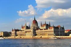 Het Parlement van Boedapest op de zomer, Hongarije Royalty-vrije Stock Foto's