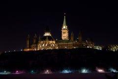 Het Parlement van Canada bij Nacht stock fotografie