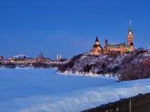 Het Parlement van Canada bij Schemer royalty-vrije stock afbeeldingen